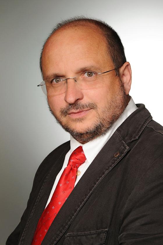 Dr. Soós Miklós ügyvezető