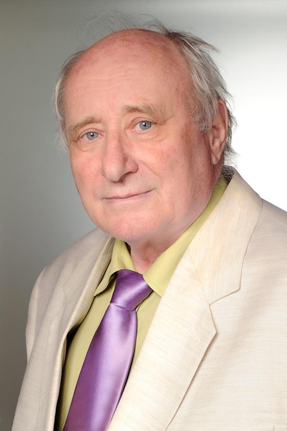 Dr. Szentirmay Zoltán főorvos, ügyvezető, orvos igazgató