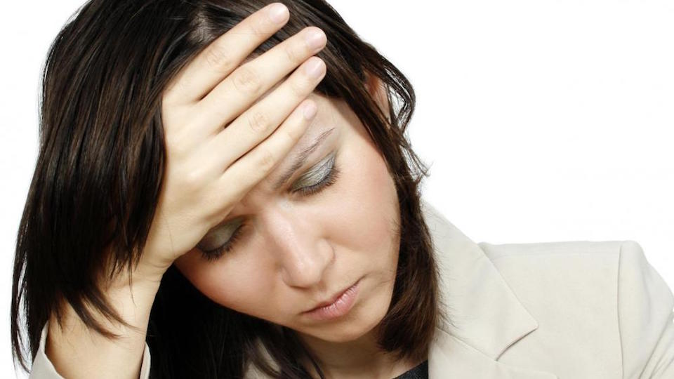 Az immunológiai betegségek gyakori tünete a rossz közérzet, fáradékonyság, tartós hőemelkedés, fejfájás