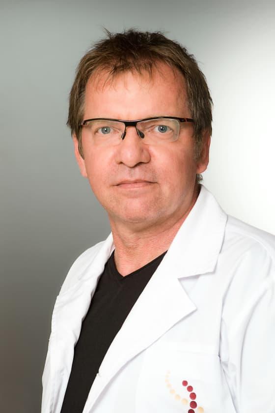 Dr. Gyarmati Csaba plasztikai sebész